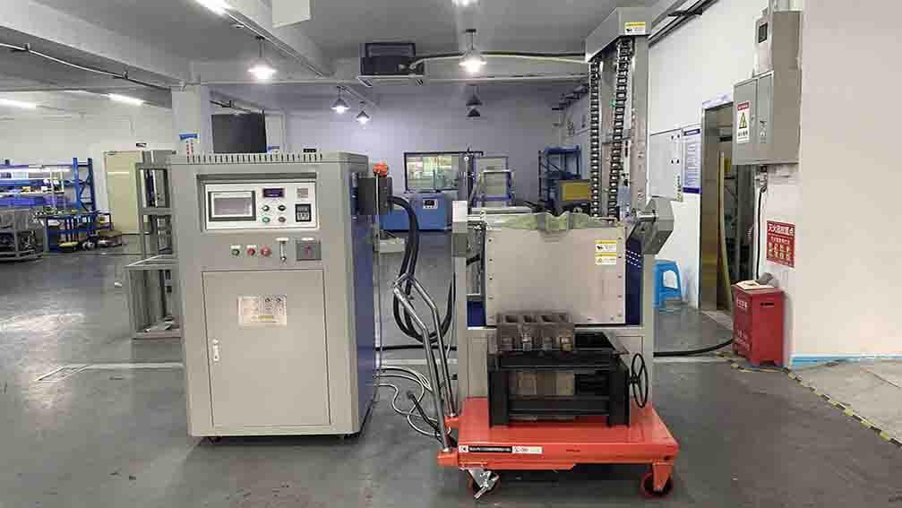 induction motor tilting melting furnace