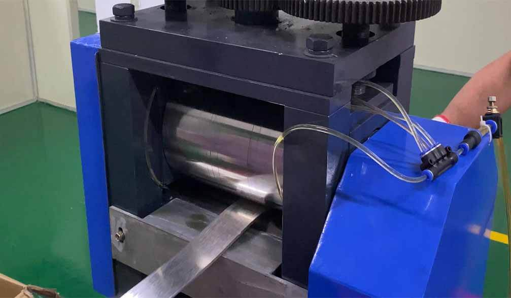 Small rolling mill for press gold, silver sheets,plate,wire